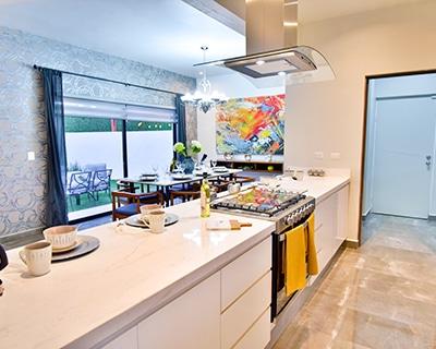 Cocina de residencia Khali en Alyssa